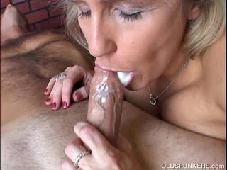 Stunning beefy old spunker gives an amazing sloppy suck off