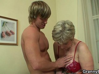 Old housewife gets pounded by an young stud