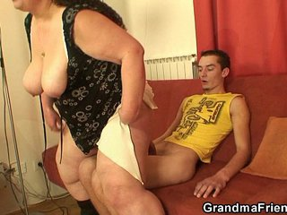 Big-titted mom threesome