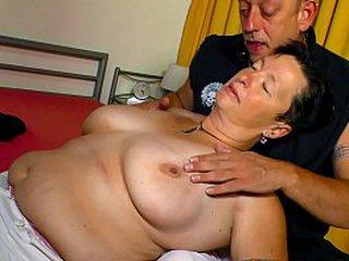 XXX OMAS - Nicole G is a busty granny!