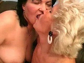 Ugly old grannies having lesbian hook-up
