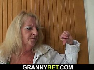 Hairy granny picked up for youthfull dick railing