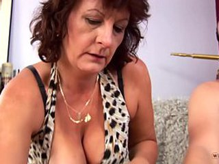 Naughty and Experienced Granny with Thick Knockers Likes to have Sex