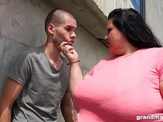 Plumper granny deepthroats and gets ass licked by teen boy