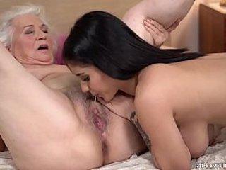 Naughty crap with grandma and junior mummy
