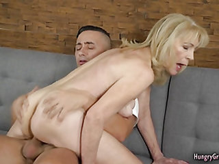 Hot blonde gramma gets fucked by endowed dude
