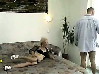 Lean Old Granny Getting It On