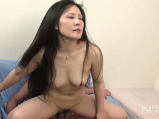 He Mature  Yayoi Yamashita   (1080p)