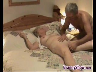 Granny Gets Her Pussy Finger-tickled And Gobbled