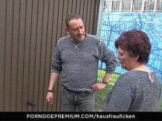 HAUSFRAU FICKEN - BBW Amateur German granny wifey enjoys hard-core sex session